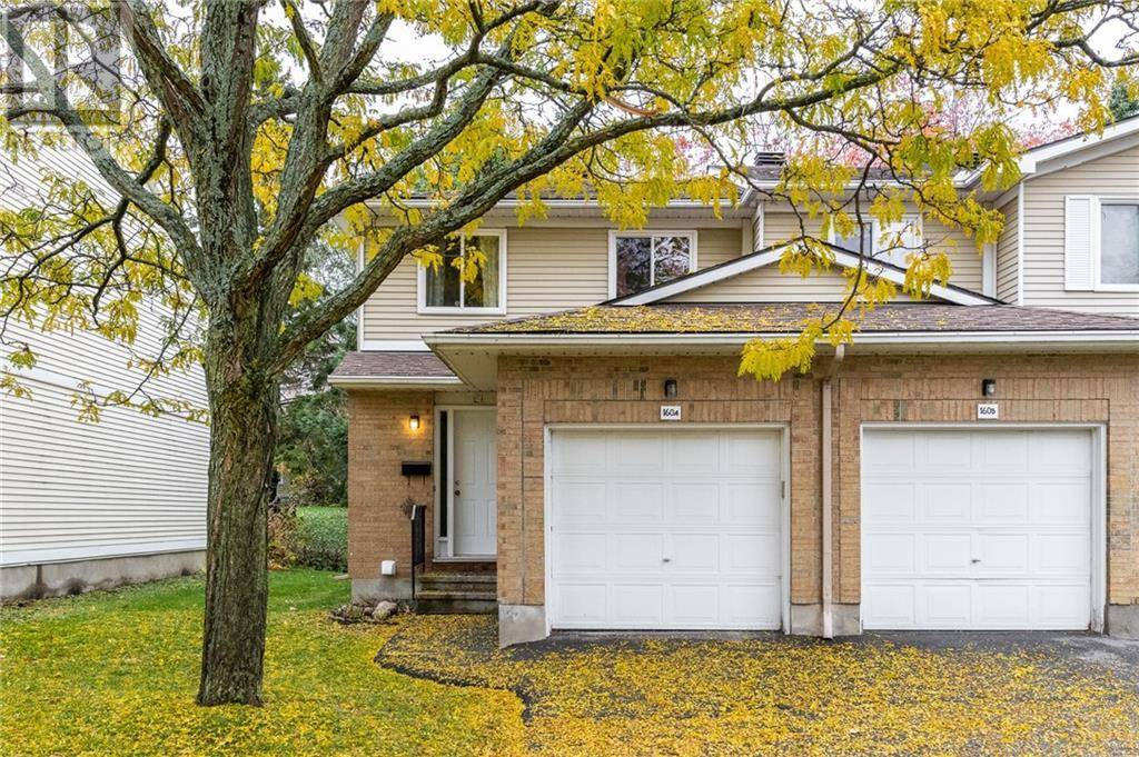 Townhouse for sale at 160 Valley Stream Dr Unit 40 Ottawa Ontario - MLS: 1173966
