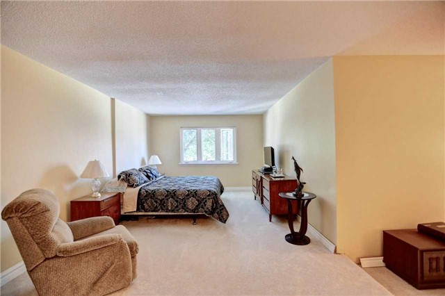 For Sale: 40 - 2155 South Millway , Mississauga, ON | 2 Bed, 3 Bath Home for $619,000. See 20 photos!