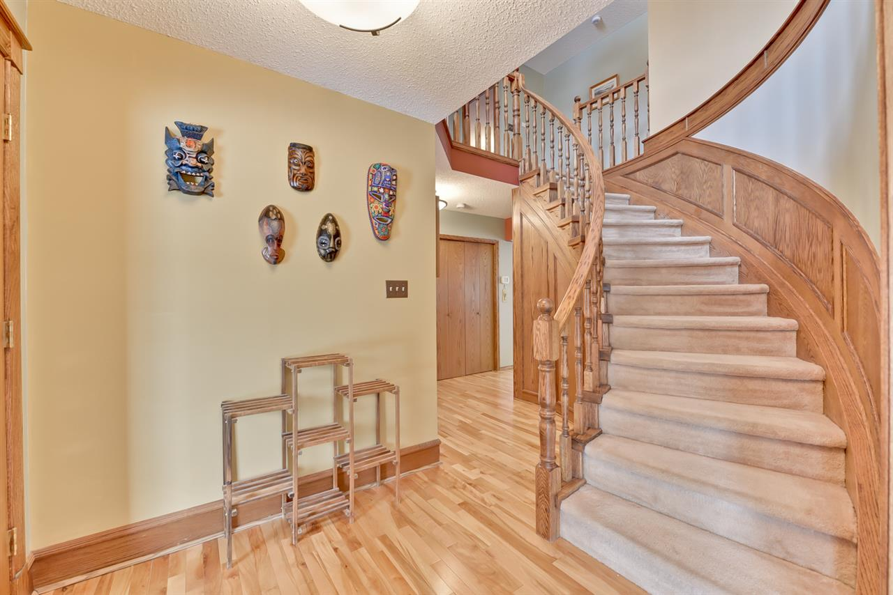 For Sale: 40 Blue Quill Crescent, Edmonton, AB   7 Bed, 4 Bath House for $634,900. See 30 photos!