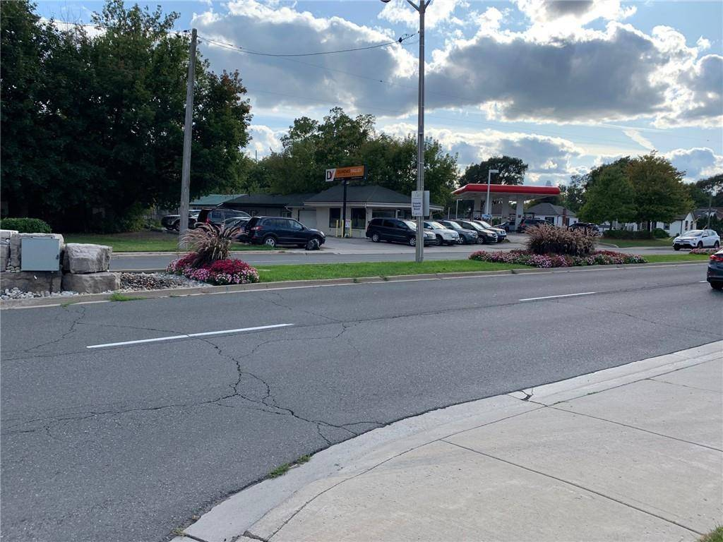 Commercial property for lease at 40 Cootes Dr Dundas Ontario - MLS: H4064319