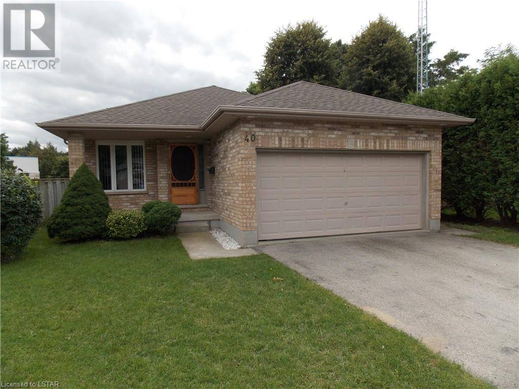House for sale at 40 Dell Dr Strathroy Ontario - MLS: 220466