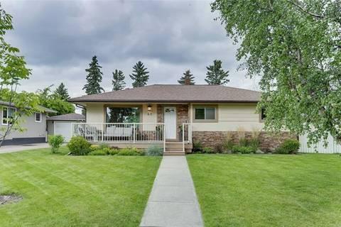 House for sale at 40 Grafton Dr Southwest Calgary Alberta - MLS: C4263170