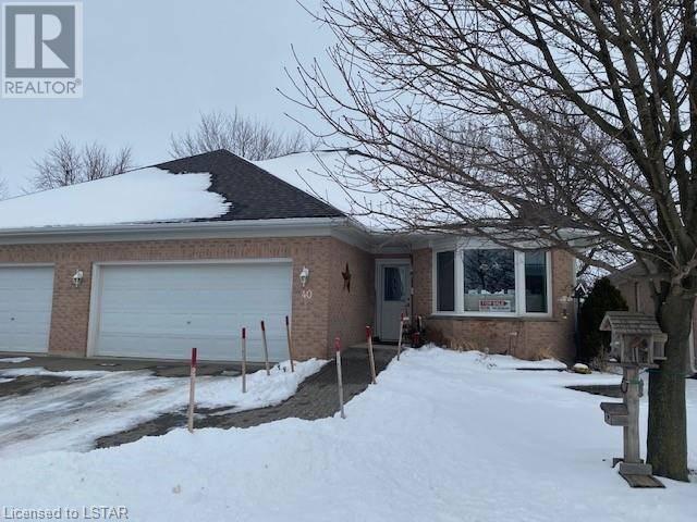 Home for sale at 40 Ilderbrook Circ Ilderton Ontario - MLS: 241699