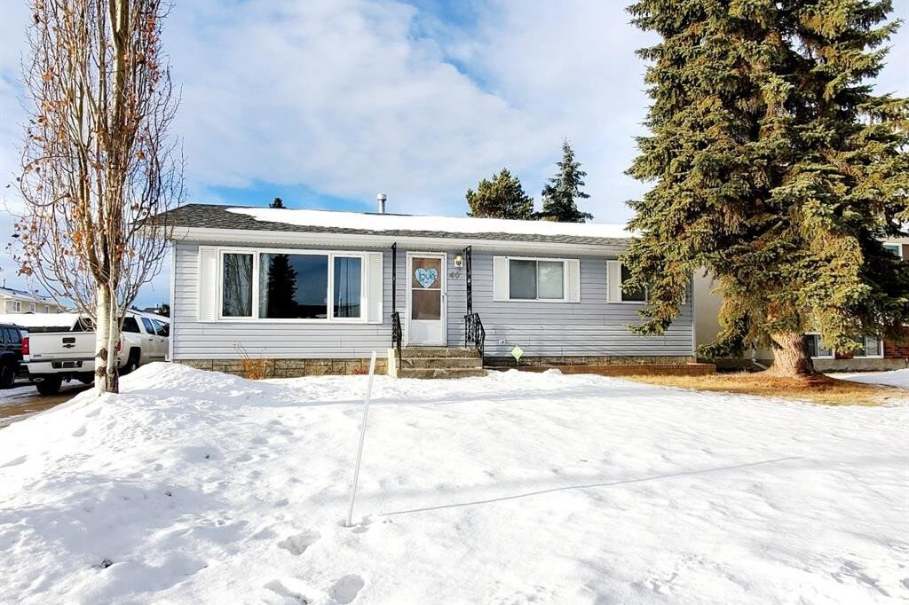 House for sale at 40 Kallbom Cres Whitecourt Alberta - MLS: A1035353