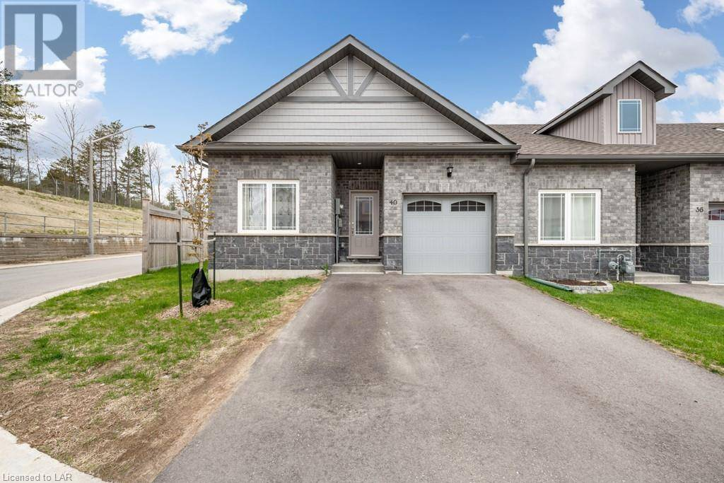 Townhouse for sale at 40 Lily Dr Orillia Ontario - MLS: 217833