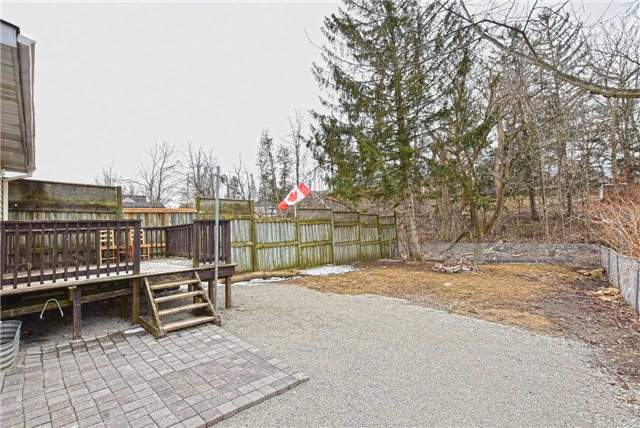 For Sale: 40 Main Street, Halton Hills, ON | 3 Bed, 3 Bath Townhouse for $499,999. See 27 photos!