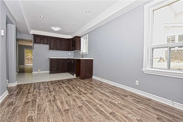 For Sale: 40 Main Street, Halton Hills, ON | 3 Bed, 3 Bath Townhouse for $519,999. See 20 photos!