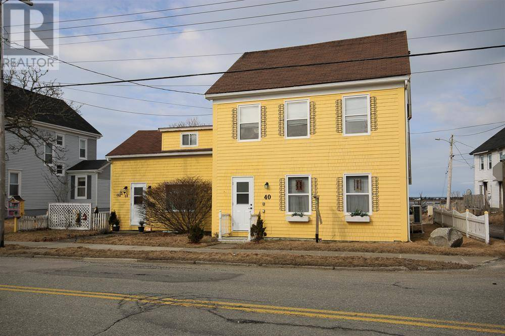 House for sale at 40 Main St Yarmouth Nova Scotia - MLS: 201905549