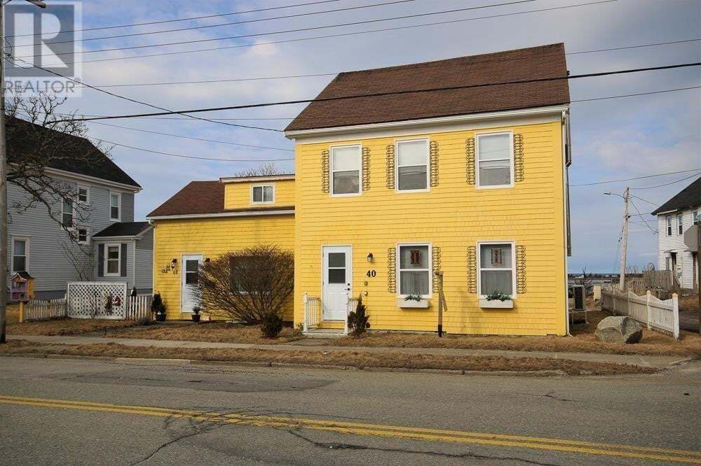 House for sale at 40 Main St Yarmouth Nova Scotia - MLS: 202007885