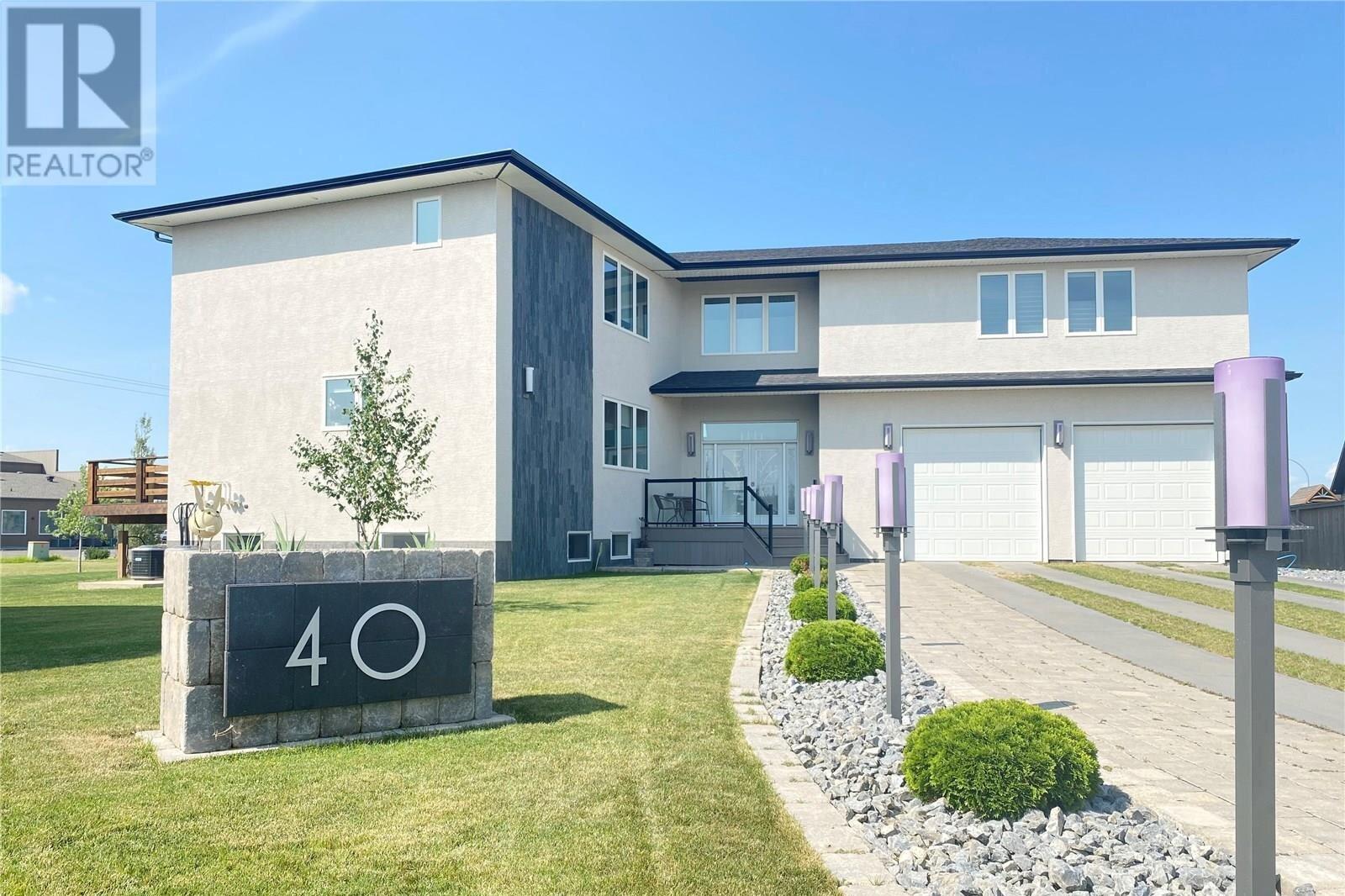 House for sale at 40 Shields Pl Weyburn Saskatchewan - MLS: SK821615