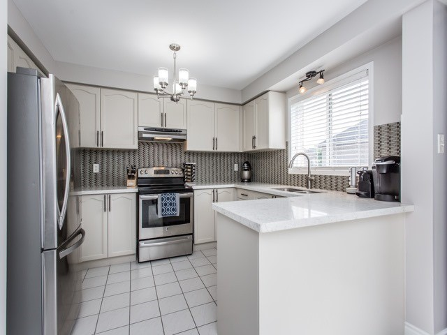 For Sale: 40 West Oak Crescent, Toronto, ON | 3 Bed, 3 Bath Townhouse for $719,999. See 20 photos!