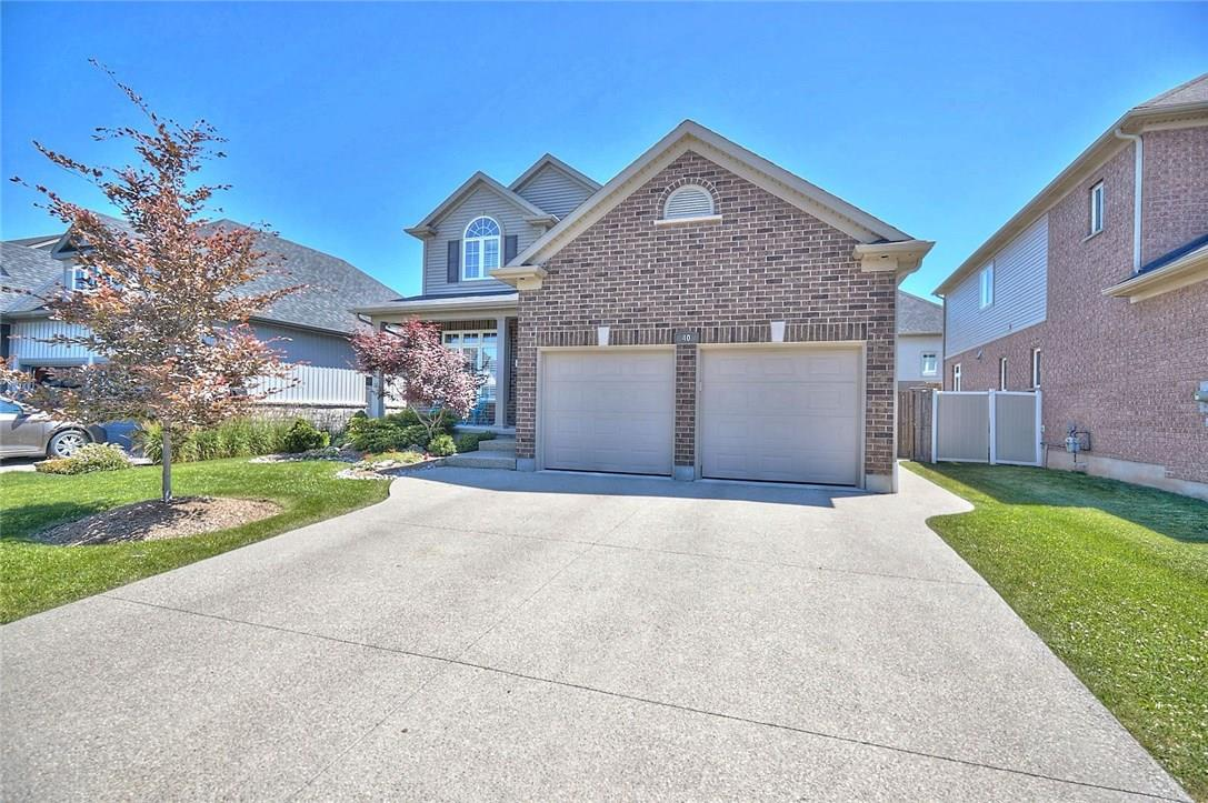 Sold: 40 Wilfrid Laurier Crescent, St Catharines, ON