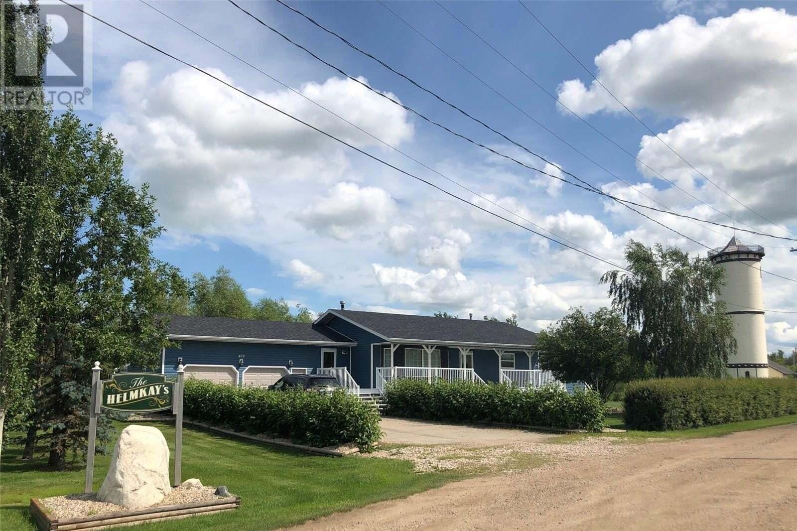 House for sale at 400 4th Ave Humboldt Saskatchewan - MLS: SK818290