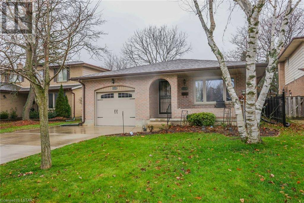 House for sale at 400 Eastcastle Pl London Ontario - MLS: 236210