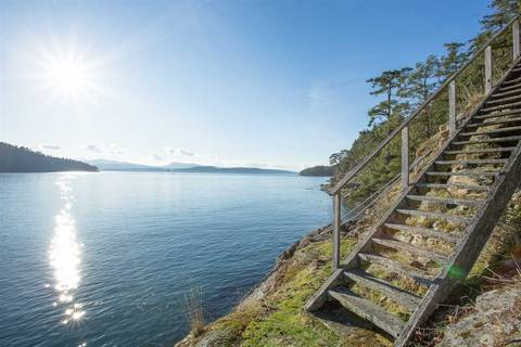 Home for sale at 400 Navy Channel Rd Mayne Island British Columbia - MLS: R2434050