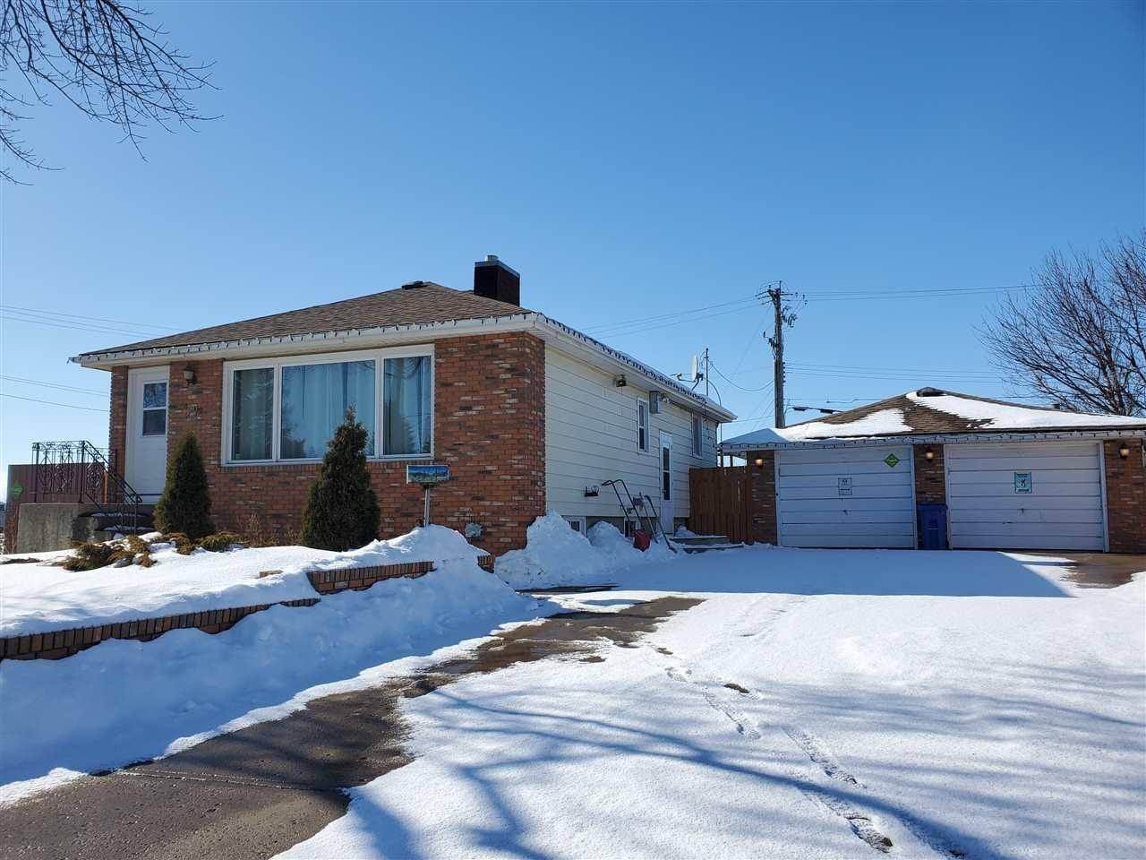 House for sale at 4002 55 St Wetaskiwin Alberta - MLS: E4183323