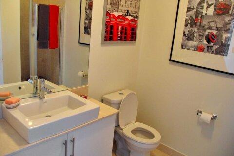 Apartment for rent at 55 Bremner Blvd Unit 4007 Toronto Ontario - MLS: C4928964