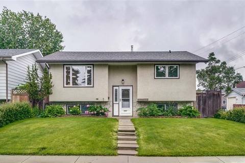 House for sale at 4007 Dovercrest Dr Southeast Calgary Alberta - MLS: C4257021
