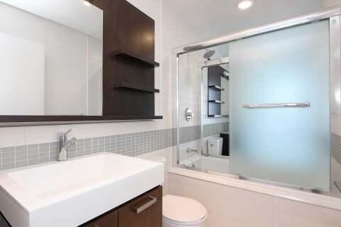Apartment for rent at 295 Adelaide St Unit 4009 Toronto Ontario - MLS: C4960085