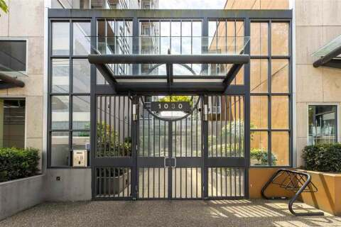 Condo for sale at 1030 Broadway  W Unit 401 Vancouver British Columbia - MLS: R2471912