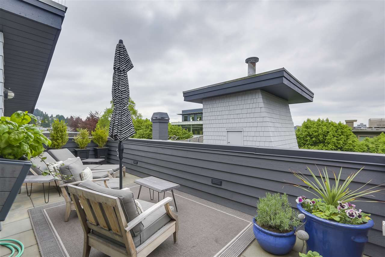 For Sale: 118 West 22nd Street, North Vancouver, BC   3 Bed, 2 Bath Condo for $1,428,000. See 17 photos!