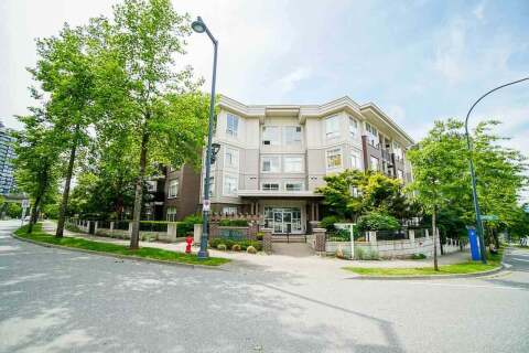 Condo for sale at 13555 Gateway Dr Unit 401 Surrey British Columbia - MLS: R2474875
