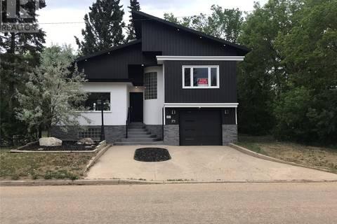 House for sale at 401 1st St Ne Watson Saskatchewan - MLS: SK777004