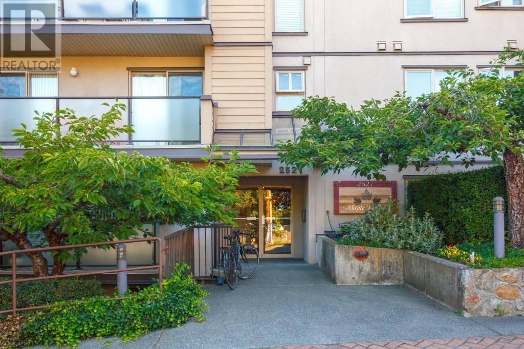 Condo for sale at 2527 Quadra St Unit 401 Victoria British Columbia - MLS: 415539