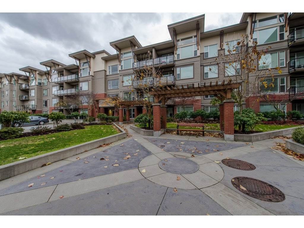 For Sale: 401 - 33539 Holland Avenue, Abbotsford, BC | 1 Bed, 1 Bath Condo for $270,000. See 19 photos!