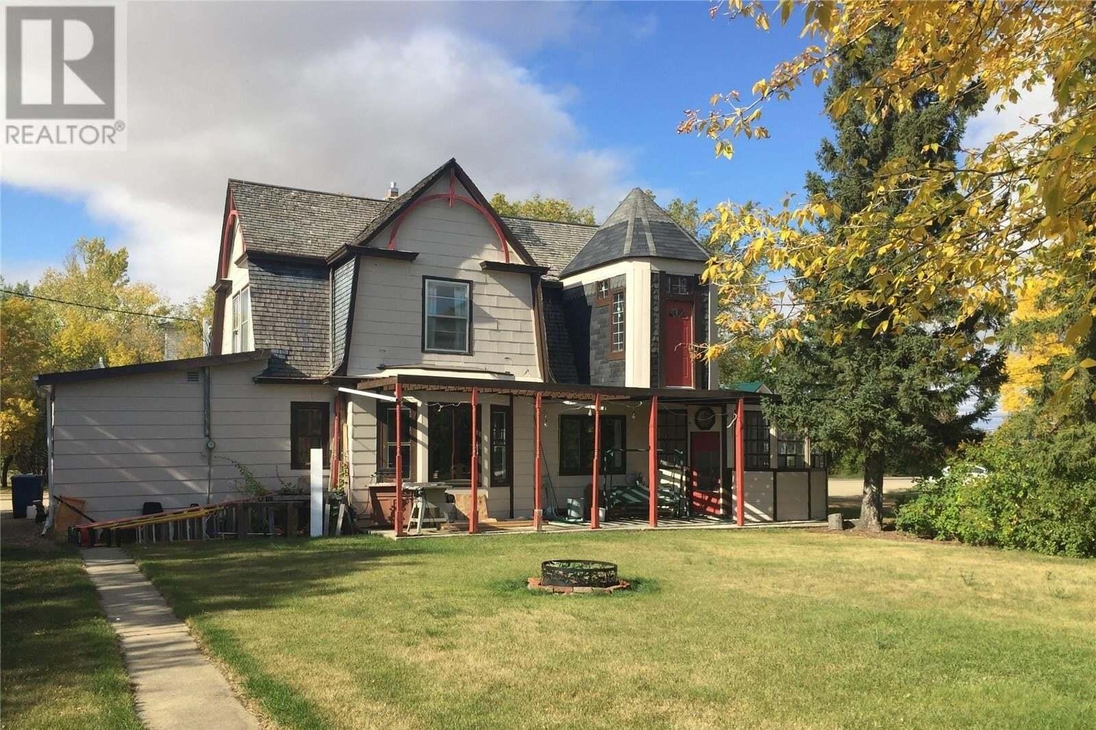 House for sale at 401 3rd St Craik Saskatchewan - MLS: SK828141
