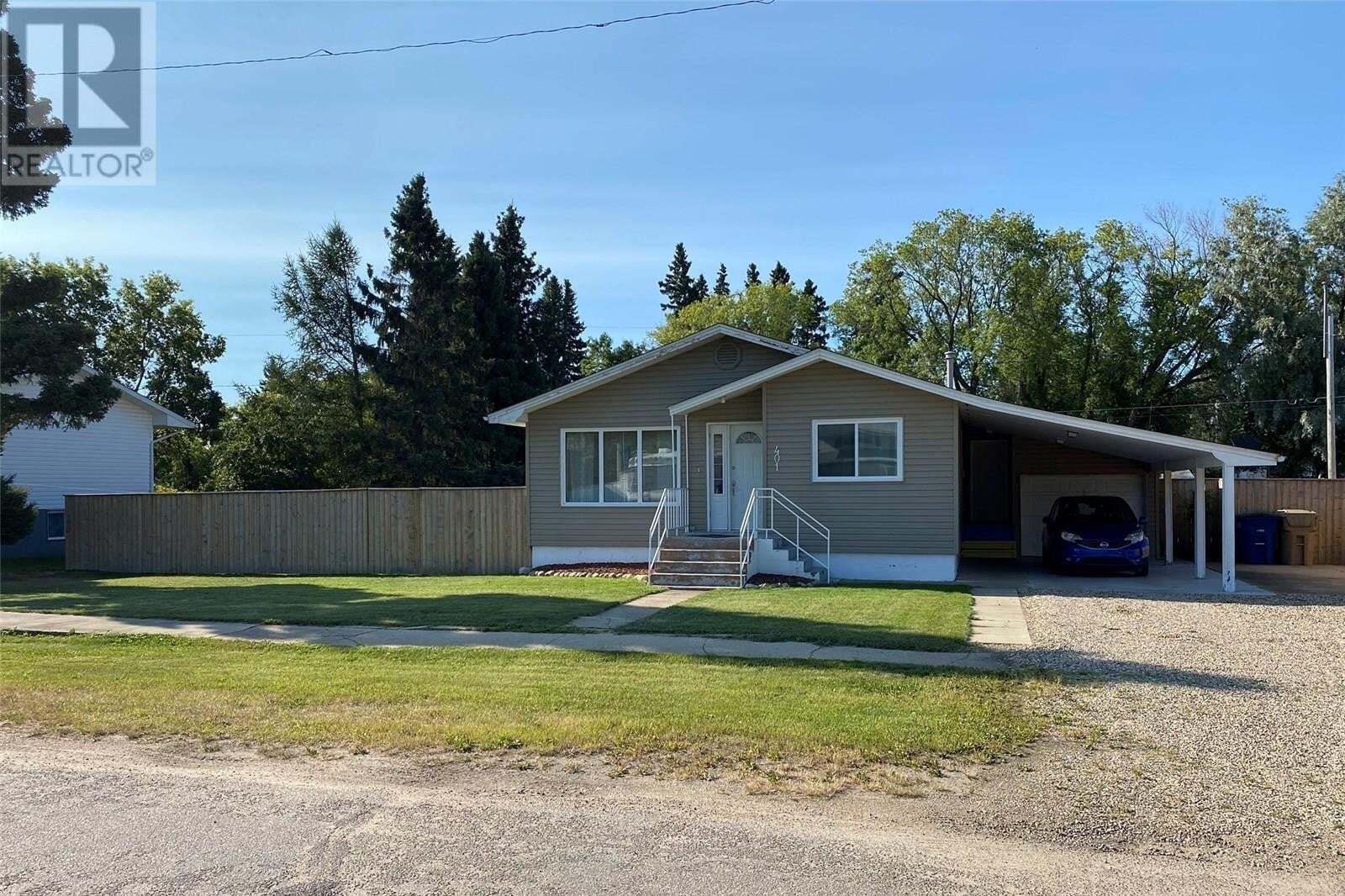 House for sale at 401 4th Ave E Shellbrook Saskatchewan - MLS: SK824666