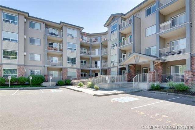 Condo for sale at 770 Rutland Rd North Unit 401 Kelowna British Columbia - MLS: 10217016