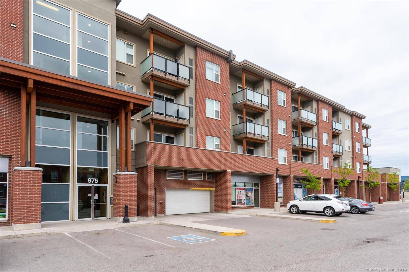 Condo for sale at 975 Academy Wy Unit 401 Kelowna British Columbia - MLS: 10194364