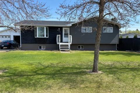 House for sale at 401 Stanley St Stoughton Saskatchewan - MLS: SK807852