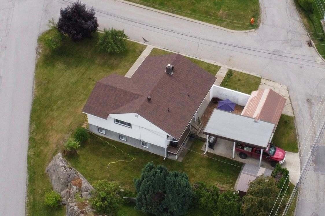 401 Willow Drive, Warfield | Image 2