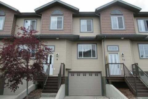 Townhouse for sale at 4010 47 Street  Whitecourt Alberta - MLS: AW51193