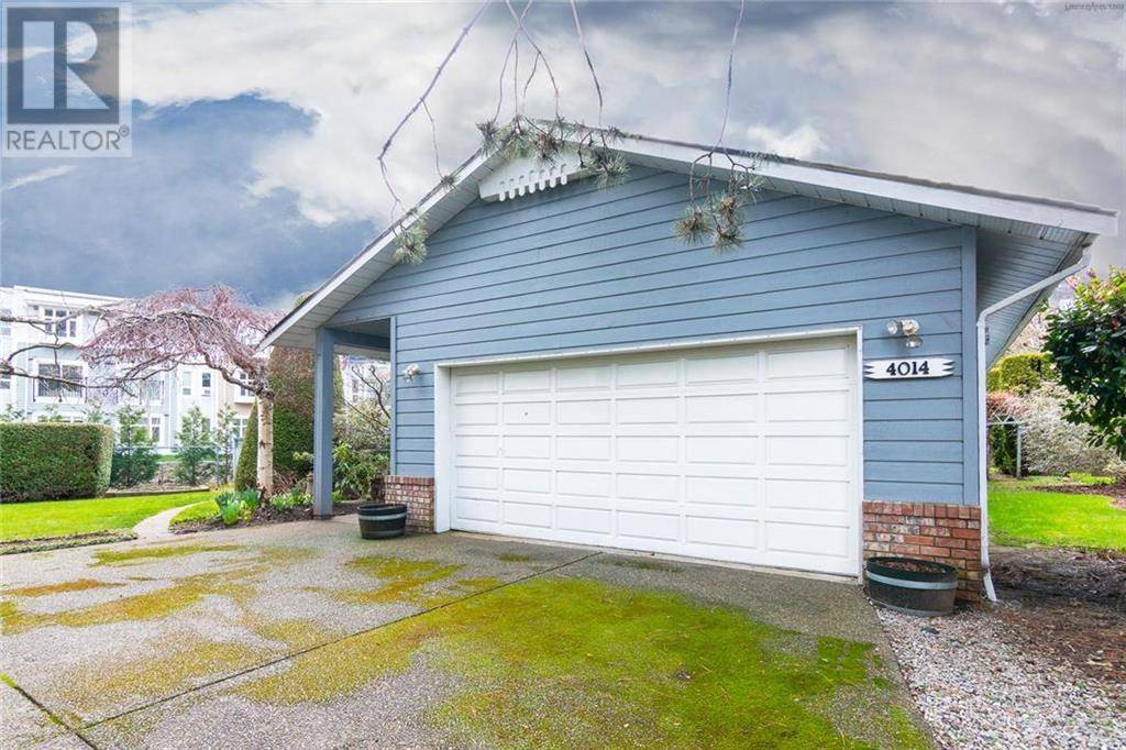 House for sale at 4014 Hopesmore Dr Victoria British Columbia - MLS: 420959