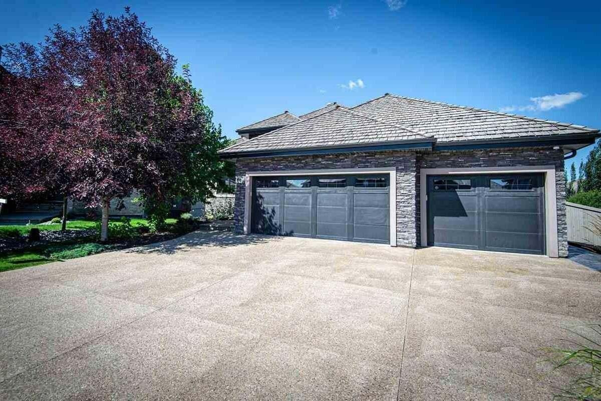 House for sale at 4014 Westcliff Pl SW Edmonton Alberta - MLS: E4205037