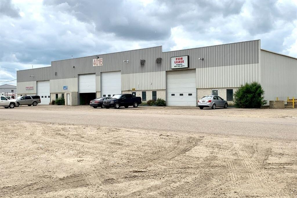 Commercial property for lease at 4016 Charles St Rural Red Deer County Alberta - MLS: CA0188852