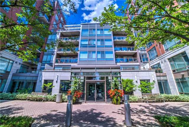 Sold: 401w - 500 Queens Quay , Toronto, ON