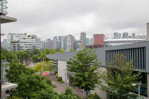 Condo for sale at 12 Athletes Wy Unit 402 Vancouver British Columbia - MLS: R2459956