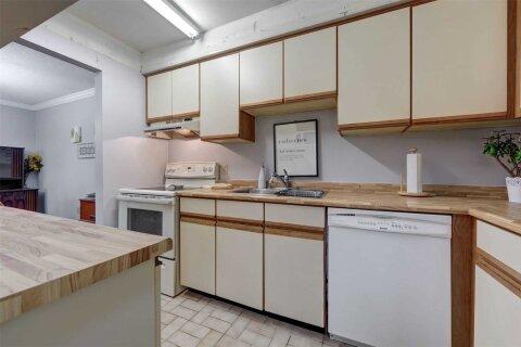 Condo for sale at 200 East St Unit 402 Kawartha Lakes Ontario - MLS: X4967661