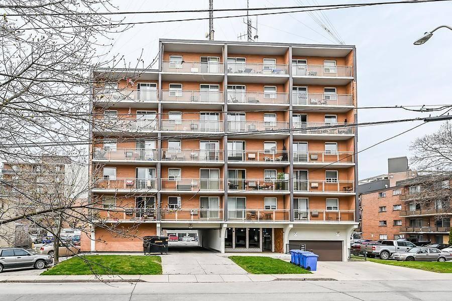 Buliding: 30 Summit Avenue, Hamilton, ON