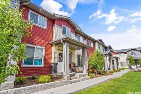 Townhouse for sale at 3440 Avonhurst Dr Unit 402 Regina Saskatchewan - MLS: SK813377