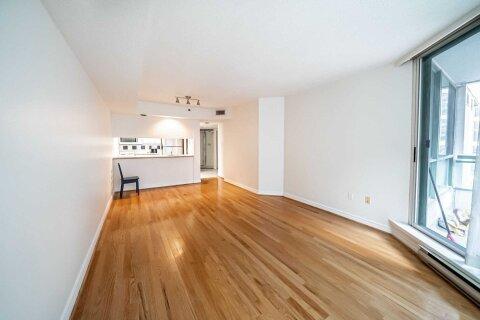 Apartment for rent at 38 Elm St Unit 402 Toronto Ontario - MLS: C5001419