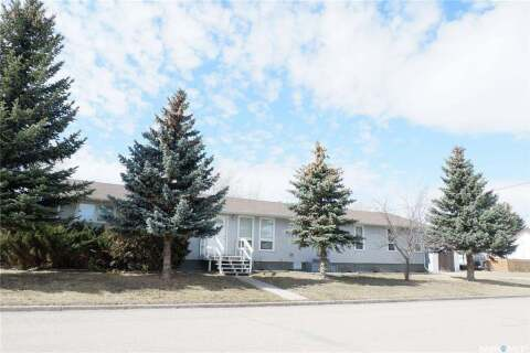 402 4th Avenue W, Assiniboia | Image 1