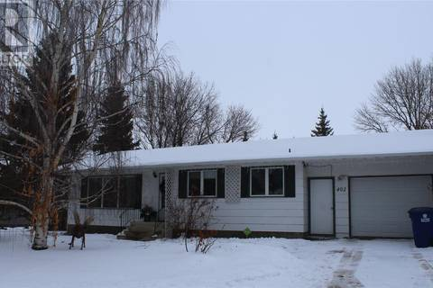 House for sale at 402 4th St E Wilkie Saskatchewan - MLS: SK797871
