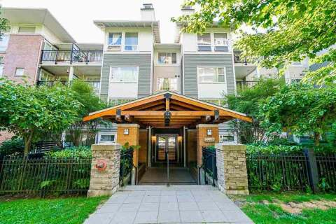 Condo for sale at 6888 Southpoint Dr Unit 402 Burnaby British Columbia - MLS: R2480959