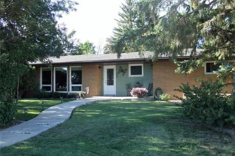 House for sale at 402 Road Allowance  E Leader Saskatchewan - MLS: SK800007