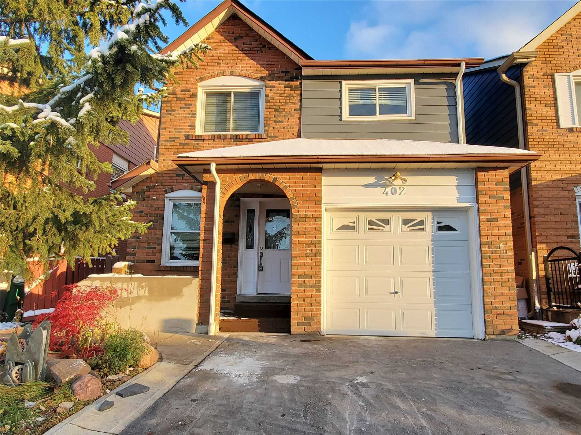 For Sale: 402 Hansen Road North, Brampton, ON   3 Bed, 3 Bath House for $699000.00. See 3 photos!